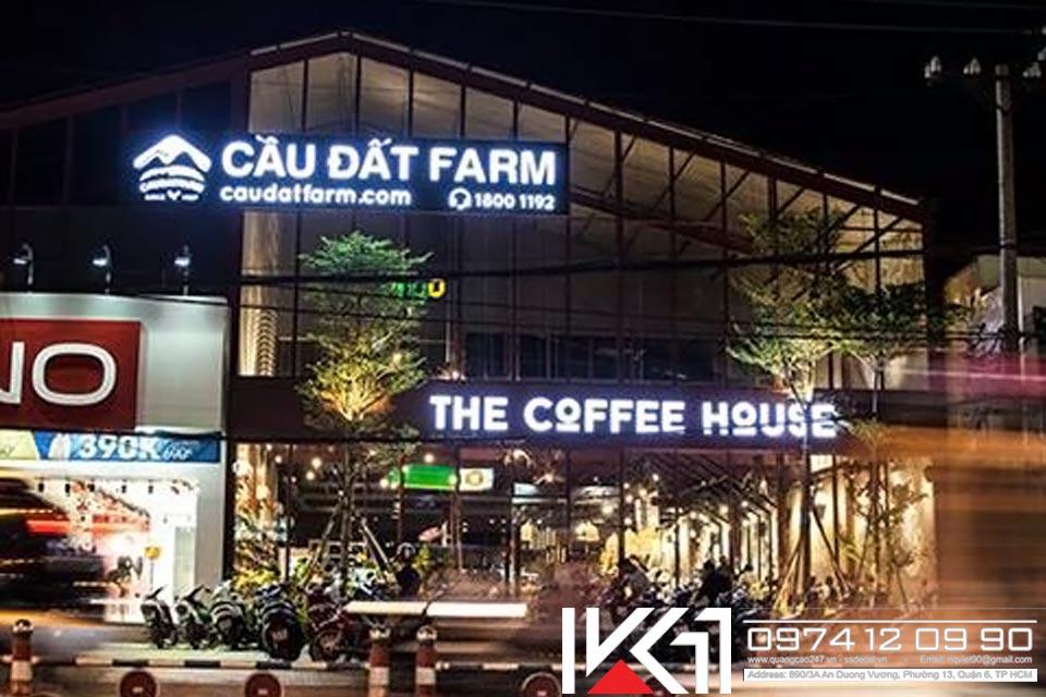 mặt dựng bảng hiệu đèn led the coffee house